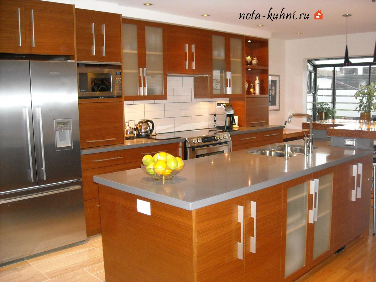Кухня в шпоне дерева от производителя «Форманта»