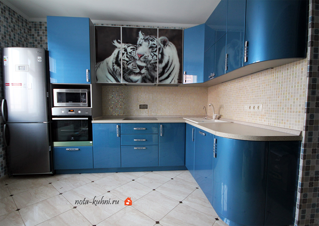 Кухни эмаль перламутровый глянец с фотопечатью тигры