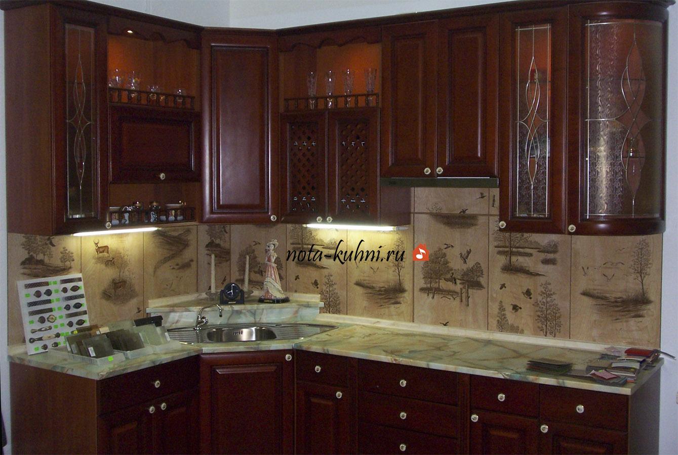 Кухни дерево на заказ Москва