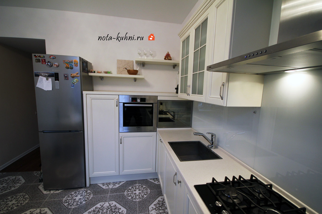 Кухни на заказ дерево Москва